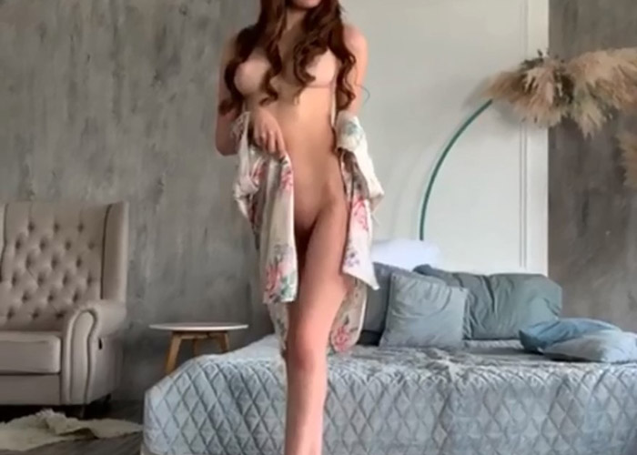 Seductive video of Yulia